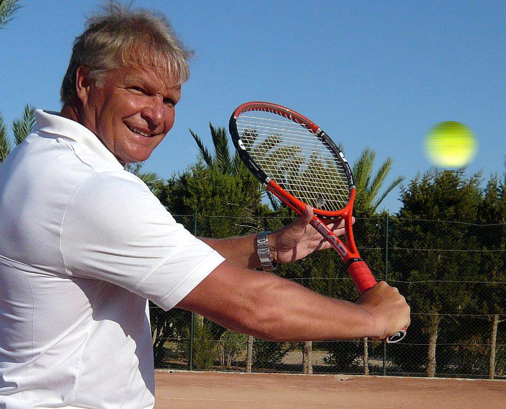 Минкевич Анатолий Адамович (Россия) на учебно-тренировочном сборе по теннису в Тунисе (2009)