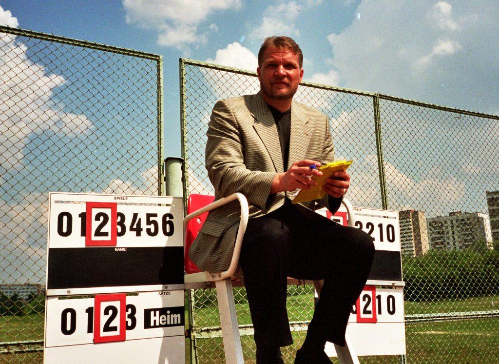 Минкевич Анатолий Адамович судья всероссийской категории по теннису 2000 г.