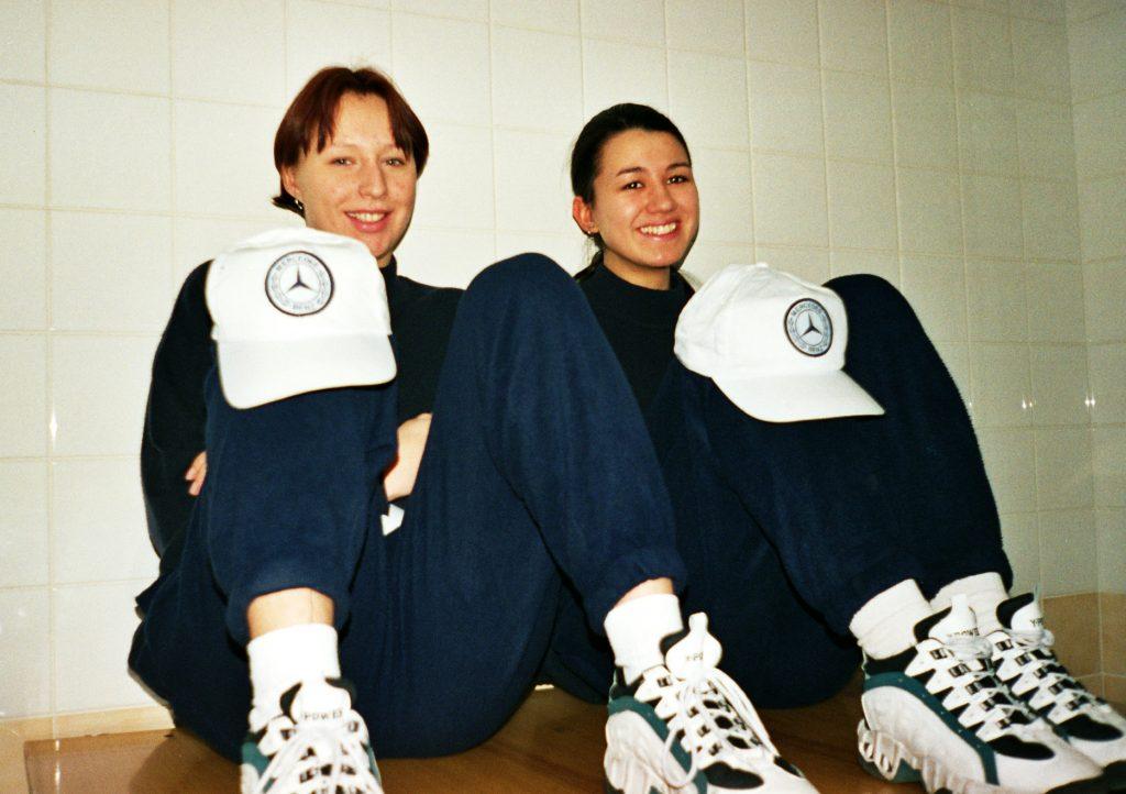 Чертова Диана и Звягина Марина (Россия) - судьи на линии теннисных турниров ATP/WTA-Tour 1998