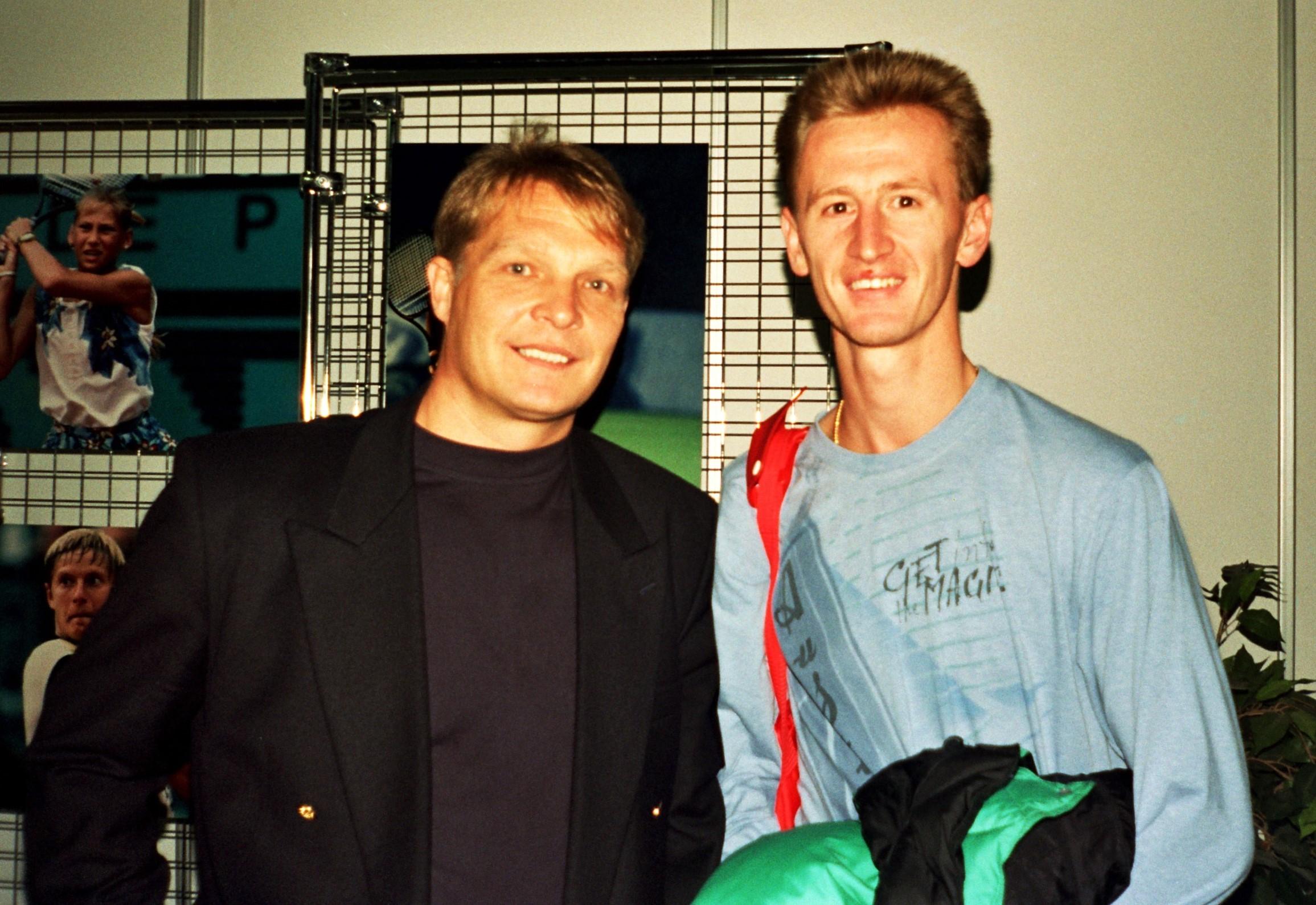 Корда Петер (Чехия) Знаменитый чешский теннисист и Минкевич Анатолий (Россия) Судья турниров ATP-Tour 1996