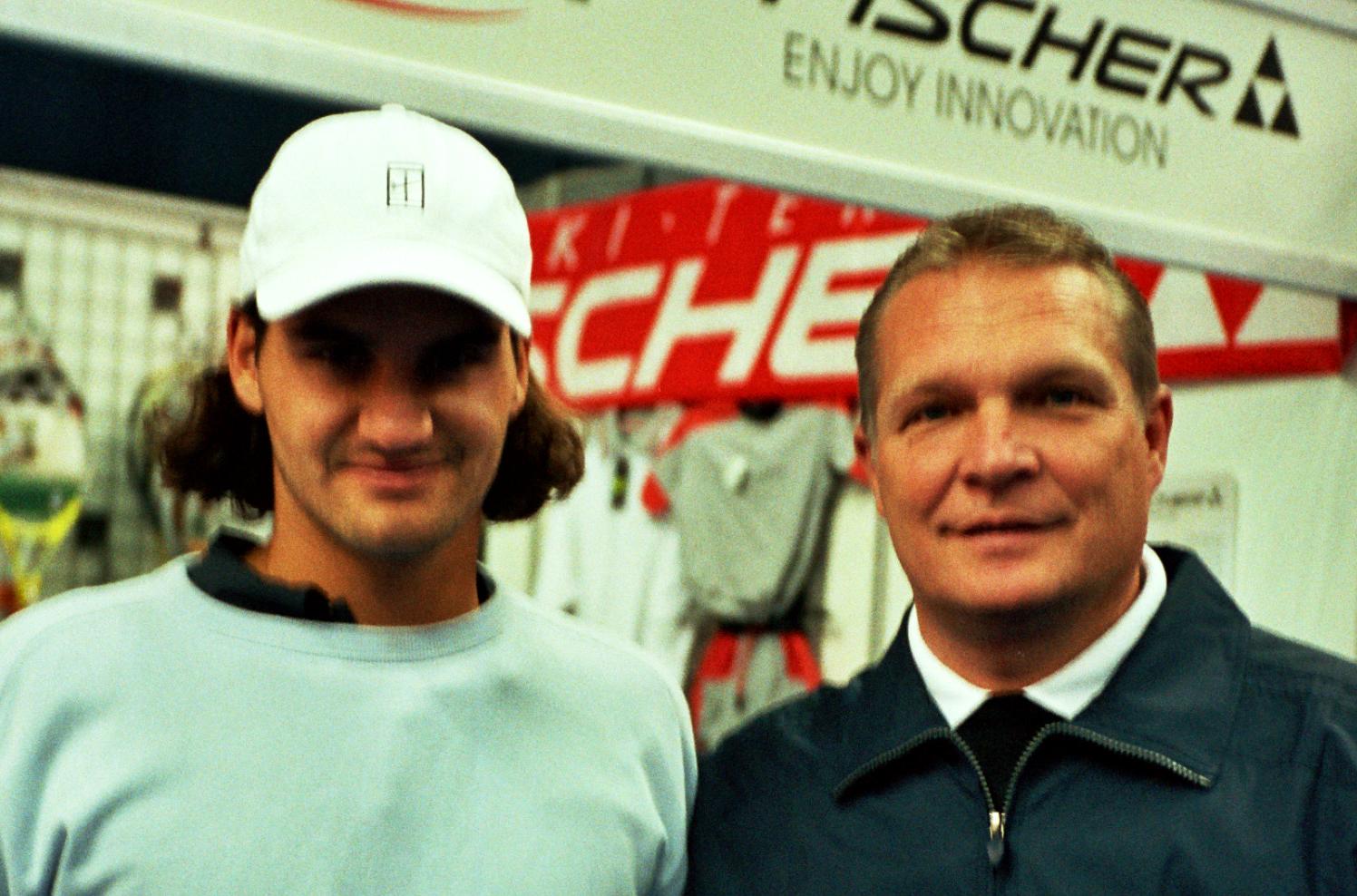 Федерер Роджер (Швейцария) Победитель Кубка Кремля в парном разряде и Минкевич Анатолий (Россия) Судья турниров ATP-Tour 2002