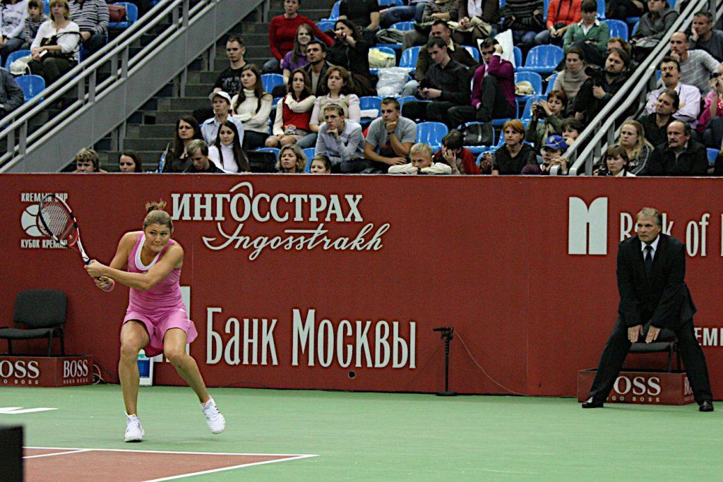 Сафина Динара (Россия)-звезда мирового тенниса, бывшая первая ракетка мира в одиночном разряде и Минкевич Анатолий (Россия)-судья турниров WTA-Tour (2009)