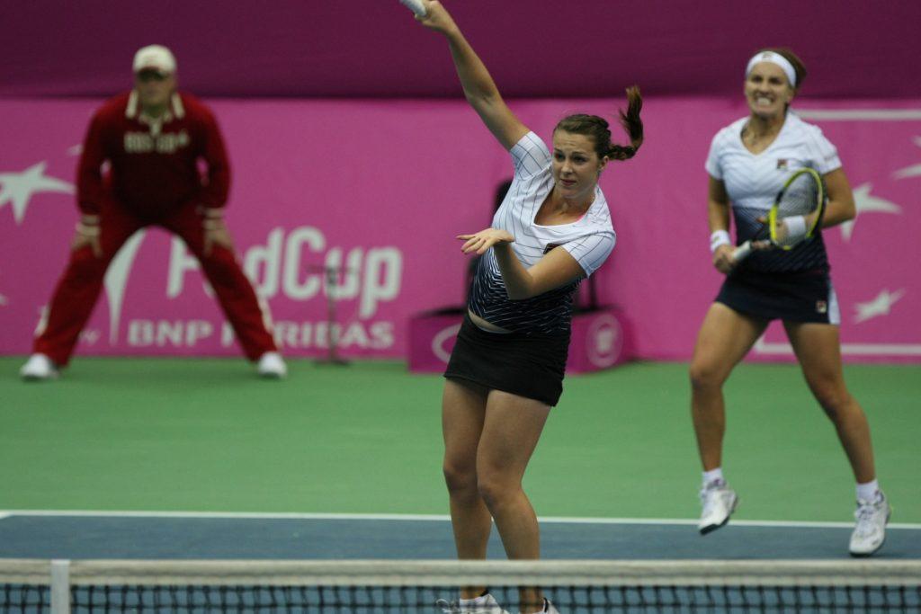 Кузнецова Светлана и Павлюченкова Анастасия (Россия) на Кубке Федерации Россия-Франция (2011)