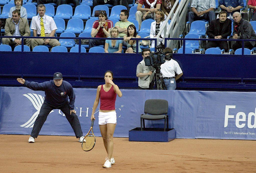 Мыскина Анастасия (Россия)-знаменитая российская теннисистка и Минкевич Анатолий (Россия)-судья на линии Кубка Федерации Россия-США (2005)