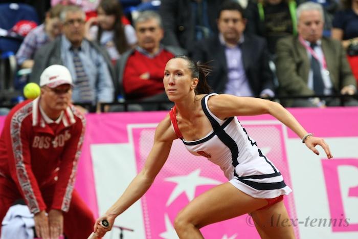 Янкович Елена (Сербия)-бывшая первая ракетка мира и Минкевич Анатолий (Россия) на Кубке Федерации Россия-Сербия (2012)