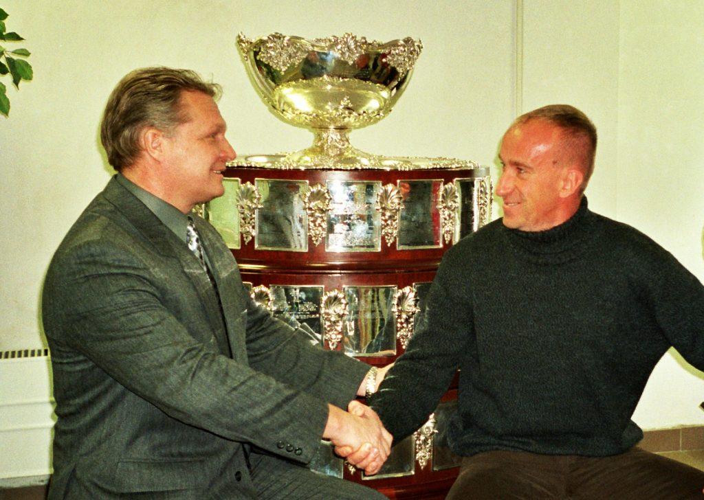Минкевич Анатолий и Олег Сафронский в Новой Олимпийской деревне 2002 год