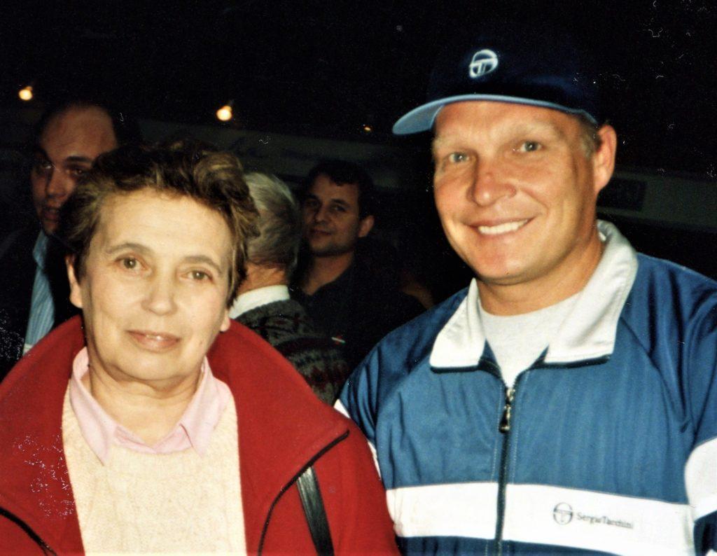 Минкевич Анатолий и Дмитриева Анна Владимировна заслуженный мастер спорта по теннису, телекомментатор программы НТВ + 1998 г.