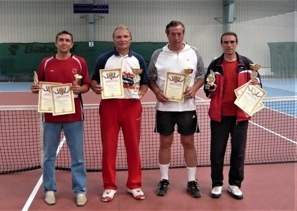 Минкевич Анатолий на церемонии награждения победителей всероссийского теннисного турнира в Сергиев Посаде 2008 г.